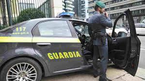 Catania, parcheggio come luogo di ritrovo: denunciate otto persone