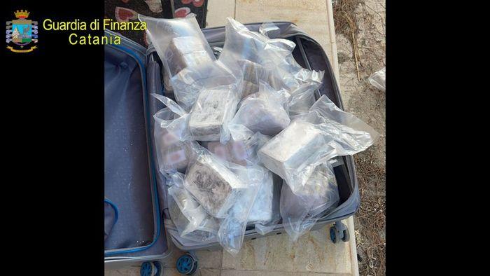 Traffico di droga tra la Spagna e l'Italia, presa a Comiso con 53 chili di hashish