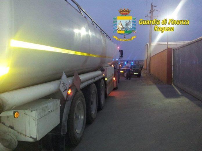 Ragusa, Guardia di finanza: scoperta maxi truffa sulle imposte-carburanti