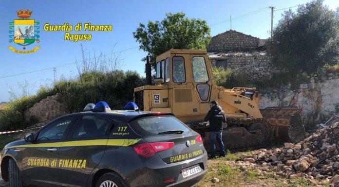 La Finanza sequestra a Modica una discarica di ventimila metri quadrati