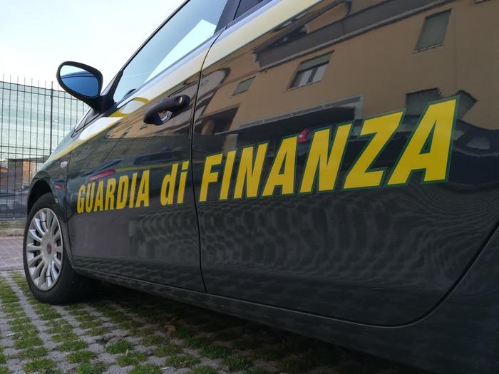 La Guardia di finanza di Napoli scopre 31 lavoratori in nero: sedici a Ischia
