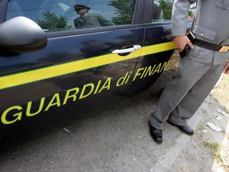 Cosenza, truffe: falsi codici per indennità Inps, recuperati 50 mila euro