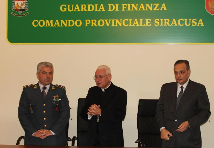 Solarino, Guardia di Finanza dona merce sequestrata al Cenacolo Domenicano