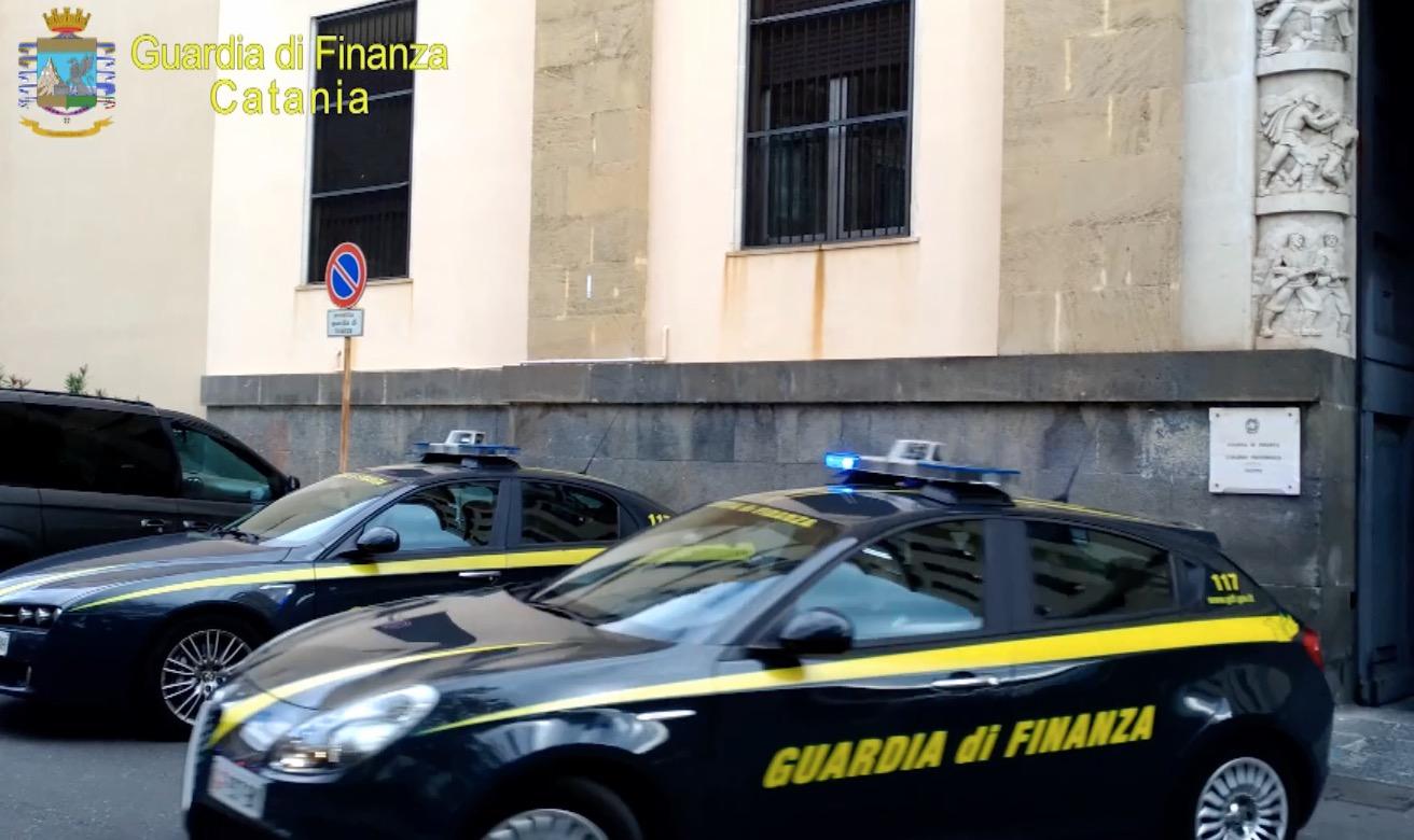 Catania, finti crediti tributari: due indagati dai domiciliari al carcere