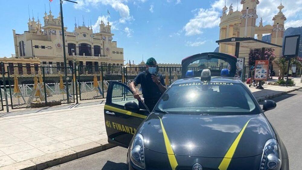 Violate regole anti covid, sigilli  della Finanza a Parco tematico a Palermo