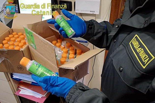 Sequestrati a Catania  dalla Finanza 1.500 flaconi di gel 'ingannevole'