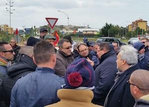 """Non si ferma a Gela la protesta per il lavoro, i sindacati: """"No elemosine"""""""