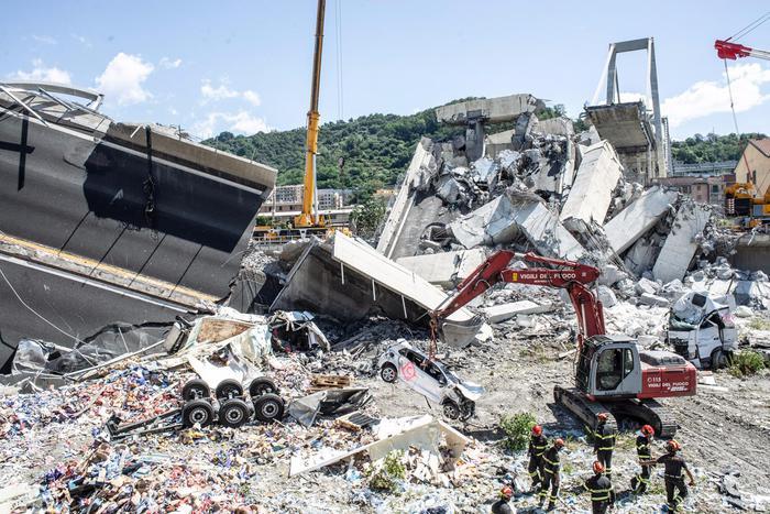 Campane del Duomo di Acireale a morte per la tragedia di Genova