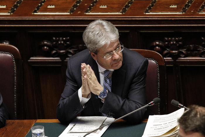 Ue bacchetta l'Italia su migranti, Gentiloni: non accettiamo lezioni da nessuno