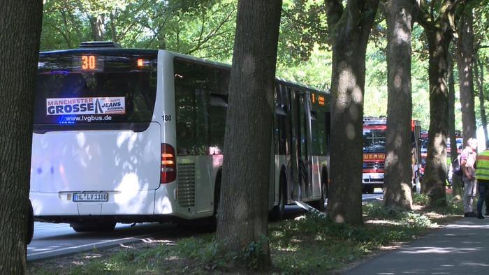 Accoltella i passeggeri di un bus in Germania: 14 feriti