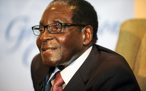 Zimbabwe, colpo di Stato: l'esercito nega, ma Mugabe è in custodia