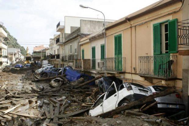 Teatro, spettacolo al Vittorio Emanuele per ricordare l'alluvione di Messina