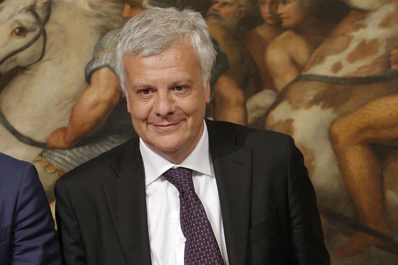 """Il ministro Galletti a Catania: """"Serve un incentivo per rinnovare il parco auto"""
