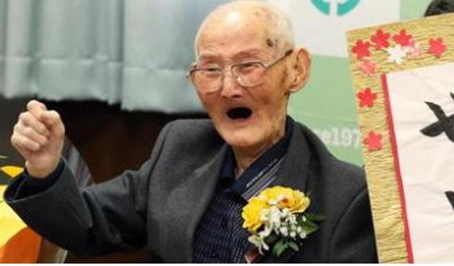 E' giapponese l'uomo più vecchio del mondo, Watanabe con i suoi 112 anni finisce nei  Guinness