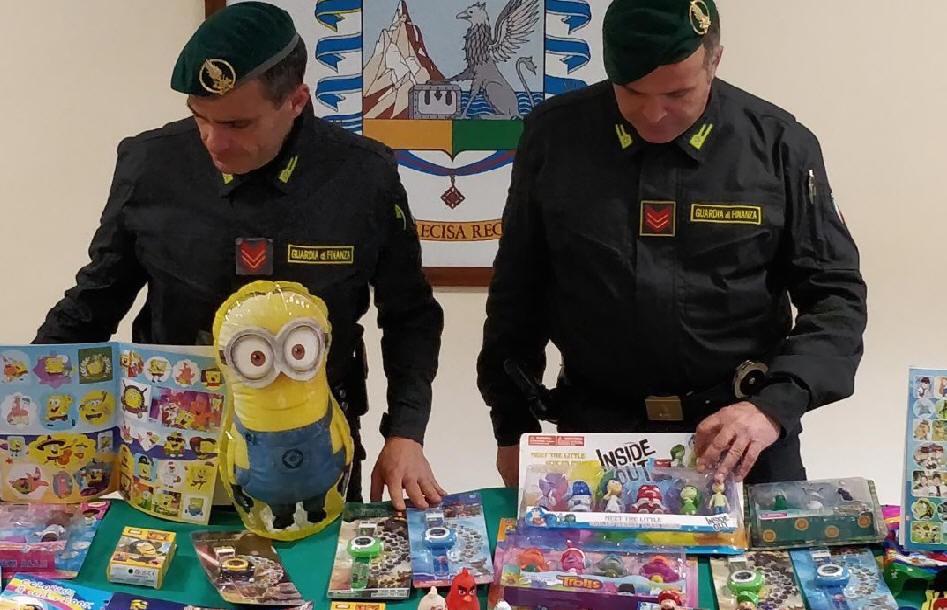 Contraffazione, 2.500 giocattoli sequestrati nel porto di Brindisi