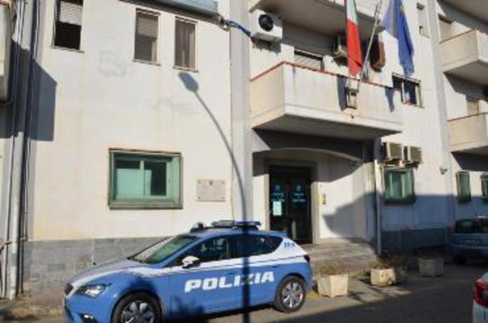 Atti persecutori in famiglia, arrestati padre e figlio a Gioia Tauro