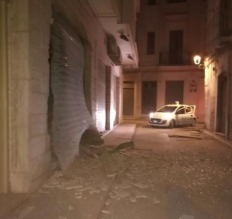 Intimidazioni, bomba contro una gioielleria nel centro di San Severo