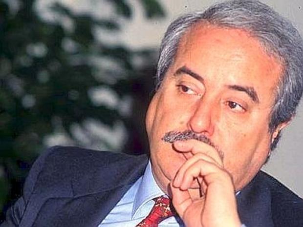 Mafia, il premio della Fondazione Falcone al giovane Piersanti Mattarella