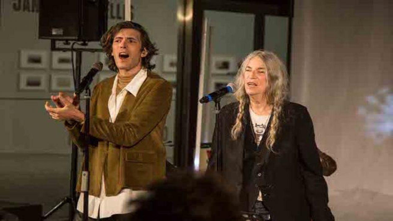 Giovanni Caccamo duetta con Patti Smith ed entusiasma il pubblico al Maxxi di Roma