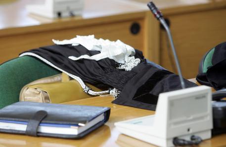 Allarme bomba al Tribunale di Genova, evacuato l'edificio