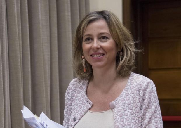 """Giulia Grillo: """"Aspetto un bambino e lo farò vaccinare"""""""