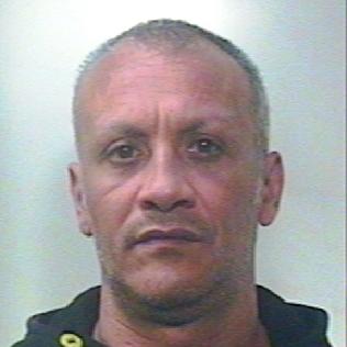 Era ricercato per furto e incendio doloso, arrestato a Catania