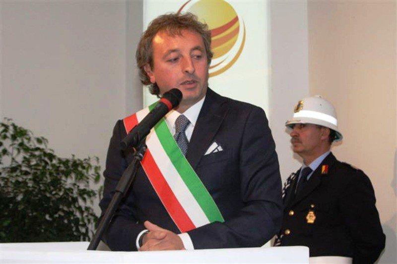 Ex sindaco di Vittoria di nuovo indagato per voto di scambio con la mafia
