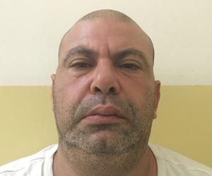 Catania, scoperto un arsenale a Librino: kalashnikov  e sei chili di cocaina