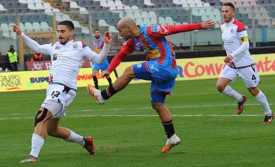 Il Catania mostra il miglior volto di se stesso al nuovo patron: Foggia battuto per 2 a 1