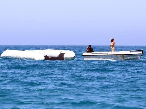 Gommone affondato a largo della Libia, si temono vittime