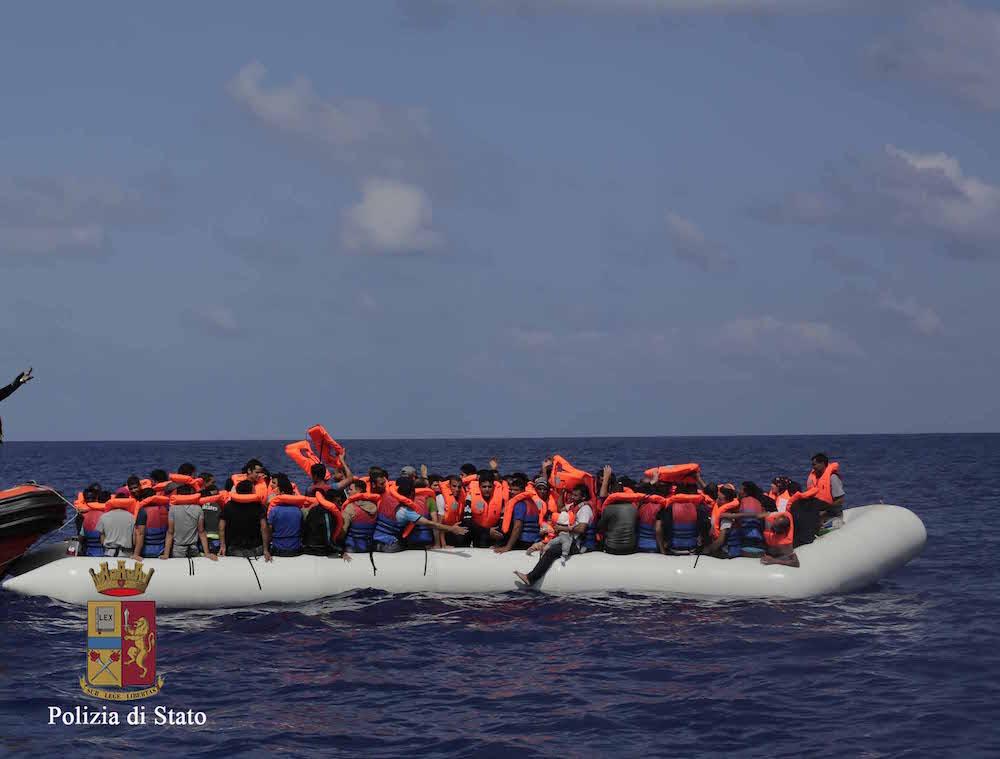 Migranti, sbarco a Pozzallo: arrestati due presunti scafisti