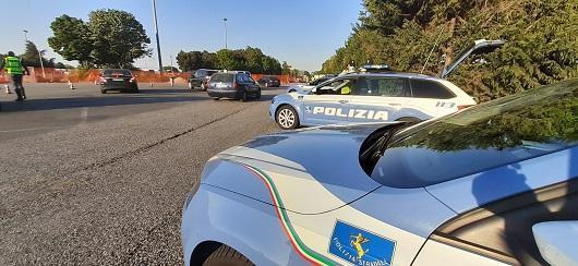 Falsa nazionalizzazione auto estere: 8 arresti a Taranto