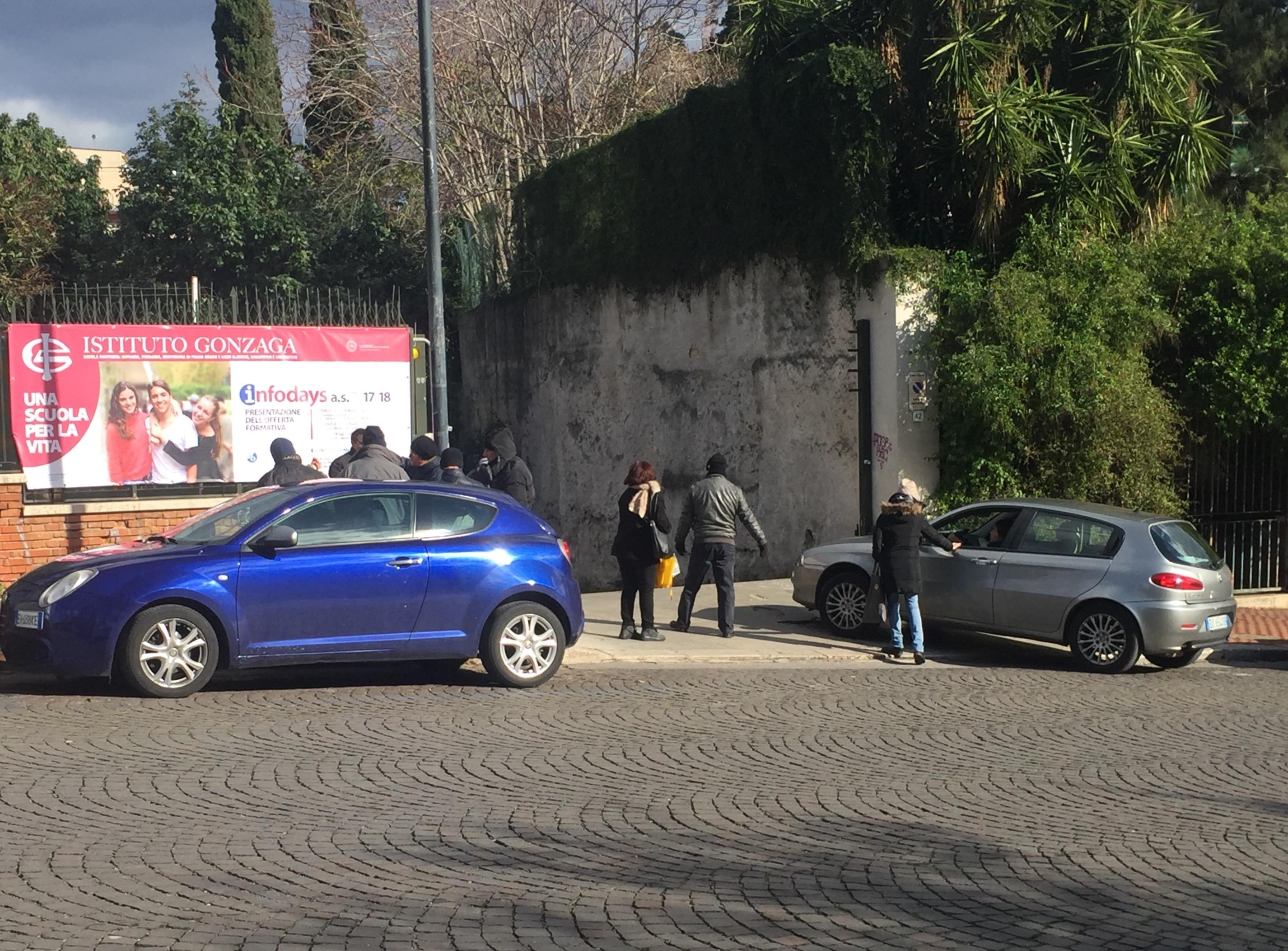 Scuola, Palermo: presidio dei lavoratori del Gonzaga licenziati
