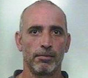 Paternò dai domiciliari al carcere: in garage nascondeva 19 chili di marijuana