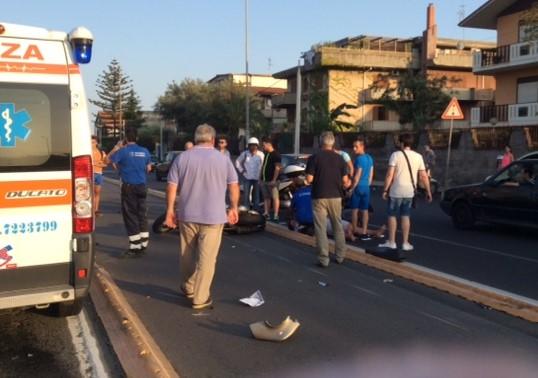 Catania, ragazzino travolto da un'ambulanza finisce in ospedale