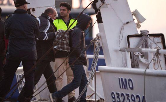 Il naufragio di migranti a Creta, 250 superstiti in rotta verso Augusta