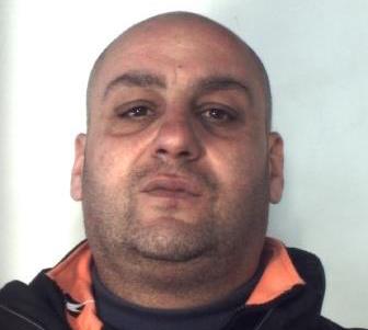 Catania, nasconde in casa mezzo chilo di marijuana: arrestato