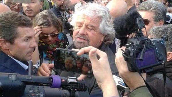 M5s,  Beppe Grillo a Catania suona la carica:
