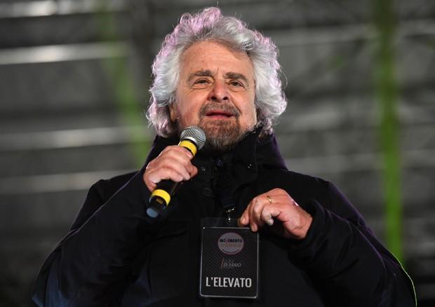 Anche Beppe Grillo e Matteo Renzi firmano patto per la scienza
