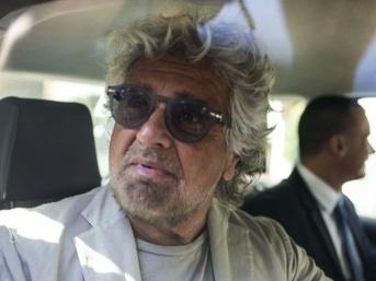 """Beppe Grillo a Roma vede i deputati: """"Siamo più forti che mai"""""""