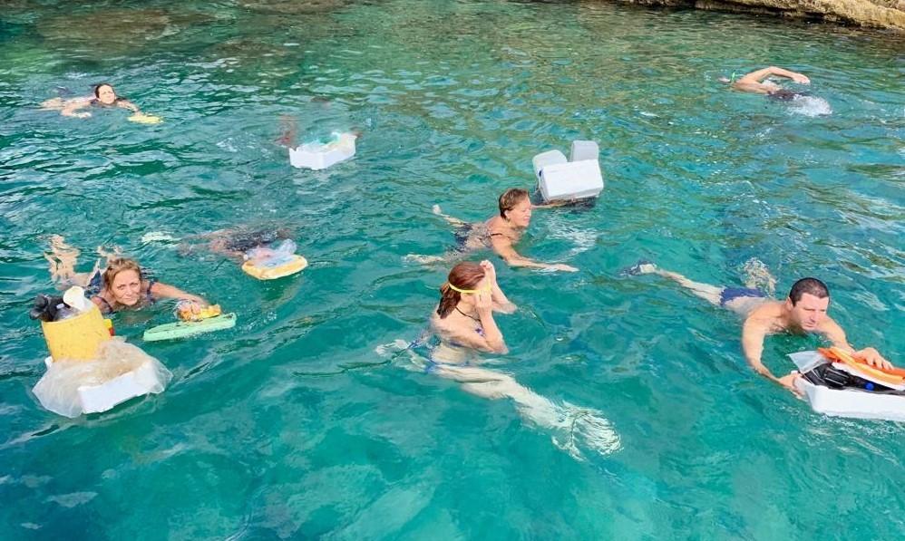 Siracusa, volontari di Natura Sicula ripulisce la Grotta della Pillirina