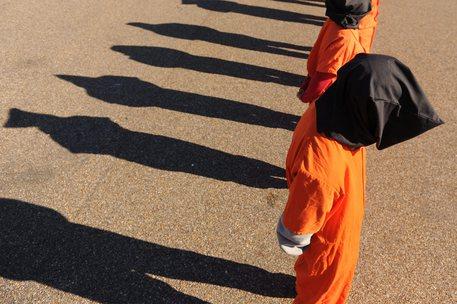 Trump rilancia Guantanamo, 'aperto per altri 25 anni'