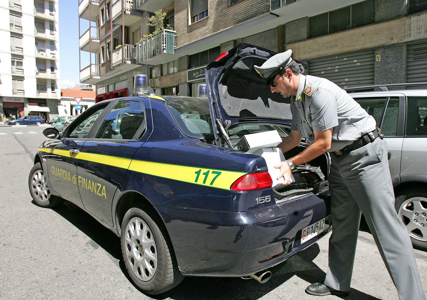 Fisco: imprenditore evasore nel Catanese, scatta il sequestro