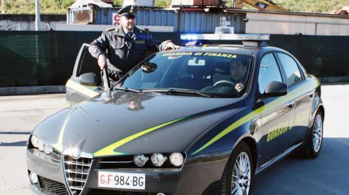 Truffe e ricettazione nel Nisseno: 4 arresti tra Niscemi e Butera