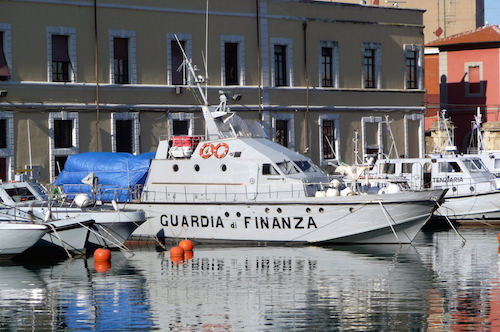Palermo, immigrazione e contrabbando di tabacchi: 4 arresti