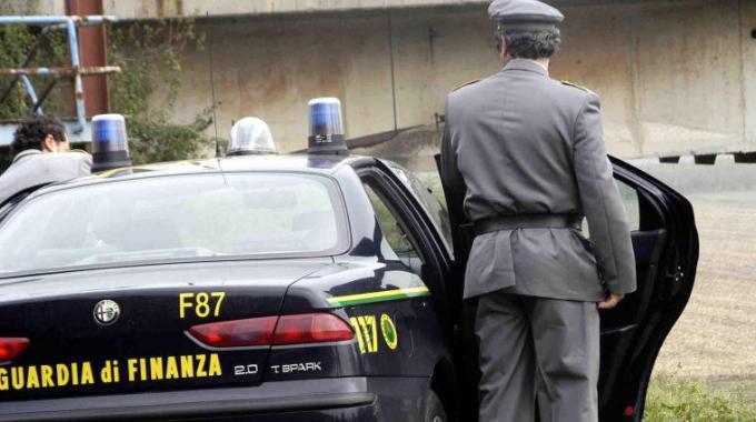 """Il blitz """"Brotherhood"""" a Catania, avvocato ai domiciliari per estorsione"""