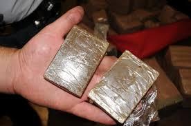 Augusta, scoperti 5 panetti di hashish in un terreno a Cozzo Filonero
