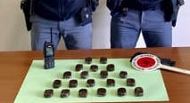 Palermo, in un box allo Zen nascondeva un chilo di hashish: arrestato