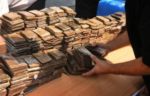 Droga: sequestrata una tonnellata di hashish, 3 arresti nel Potentino