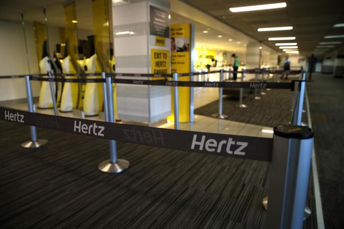 Il colosso degli autonoleggi Hertz dichiara bancarotta negli Usa ed in Canada